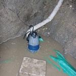 Der ordentlichen Schmutzwasserpumpe und dem passenden C-Schlauch ist der relativ schnelle Erfolg zu verdanken