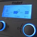 Die Wärmepumpe entzieht während dem Betrieb dem Erdreich die Wärmeenergie.