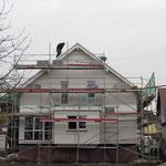 Unser Haus sieht ja aus der Ferne schon fast fertig aus.