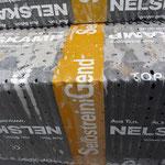 """Massa liefert (derzeit) im Standard Beton-Dachziegel der Marke Nelskamp, und zwar in der Qualität """"SelbstreiniGend"""""""