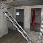 Eine ganz wichtige Utensilie auf unserer Baustelle: die Leiter.