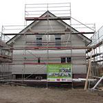 Unser vorläufig fertiggestelltes Haus von vorne,...