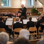 Musikalische Umrahmung der Feier in der Kirche mit der Stadtmusik Uster