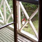 Vom charakteristischen umlaufenden Balkon aus gesehen