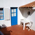 Eingang und seitl. Terrasse, Casa Alex bei Salema