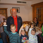 BM Leonhard Niedermoser mit einigen jungen Langlauf Talenten bei der Preisverteilung