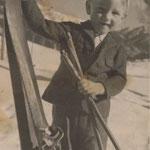 Johann Adelsberger mit seinen 1. Ski im Jahre 1949!!!