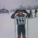 Thomas Mach 11 Jahre alt, bei den Vorbereitungen zum Schüler Skirennen (extrem coole Gamaschen ... :-), Winter 1980.