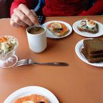 Baltisches Frühstück auf der Fähre von der Insel Hiiumaa zurück aufs Festland. Estland