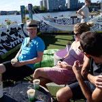 Mit unseren ersten Warmshowers - Gastgebern in Helsinki, Finnland