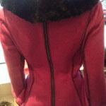 Kostüm, Rückenansicht mit Reisverschluß, Artikelnummer 410