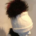 Mütze aus Kaschmirwolle mit Fuchsbommel, gefärbt, Artikelnummer M110