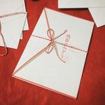 <画集 残春のみぎり 冊子デザイン>封筒風カバーをつけた手紙がコンセプトの冊子。
