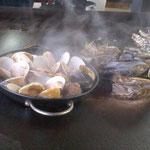 牡蠣とハマグリ。