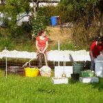 Der Wollwaschtag wird vorbereitet