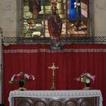 l'autel de Saint Nicolas, patron de la paroisse