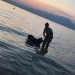 Die ersten Schwimmversuche von Dana
