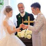 大阪、京都、神戸、奈良、滋賀、和歌山の結婚式 外注 持ち込みカメラマンは結婚式movies 撮って出しエンドロール 記録ビデオ