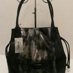 Beuteltasche, Kunstleder, Farbe: schwarz/silber, 49,99€, Schuhmoden