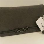 Abendtasche, Kunstleder/ Velouroptik, Farbe: grau, 49,95, Schuhmoden
