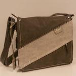 Überschlagtasche, Kunstleder, Farbe: grau/ beige kombi, 49,95€, Meißner Straße und Königsbrück