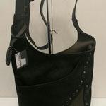 Umhängetasche mit Nieten, Kunstleder, Farbe: schwarz/ grau, 49,95€, Meißner Straße, Schuhmoden und Königsbrück