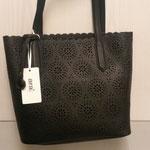 Handtasche, Kunstleder/ Lasercut, Farbe: schwarz, 59,95€, Schuhmoden