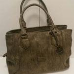 große Handtasche, Kunstleder, Farbe: braun mit Goldschimmer-Effekt, 49,95€, Meißner Straße, Schuhmoden und Königsbrück