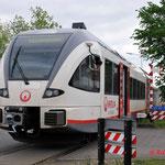 26 April 2014: Maastricht / In Maastricht ging het niet helemaal goed, stel 205 raakte hier een een reclame bordje wat binnenprofiel stond.