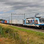 21 Juli 2015: Heeze / RTB 186 110 Met een Br-shuttle onderweg naar Blerick via Roermond-Venlo. Dit in verband met werkzaamheden tussen Eindhoven en Venlo.