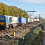 6 November 2012: Eindhoven/ 1043 HTRS met een fraai beladen Br-shuttle (50071) opweg naar de maasvlakte.