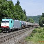 21 Juni 2017: Oberwinter / 186 230 Lineas met een Unit cargo richting Koblenz