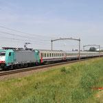 1 Juni 2017: Zevenbergen / 186 199 NMBS met een Beneluxtrein van Amsterdam naar Brussel-zuid