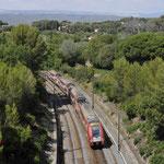 26 Juli 2016: St-Cyr-les-Lecques la Cadiere / 440 Als trein TER81633 van Marseille naar Hyeres.
