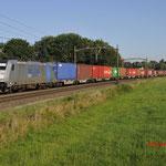 20 Juli 2016: Breda / 186 422 RTB Met een containertrein richting Venlo