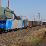 27 februari 2016: Bottrop-Welheim / 185 519 CFL Met een containertrein richting Oberhausen.