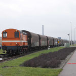 29 December 2017: Amsterdam / 683 RFO Met een beladenstaaltrein uit Beverwijk opweg naar de HCT. Achterop de trein hangt nog de RFO 1831 Hier heeft de trein bijna zijn eindbestemming bereikt