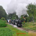12 Juli 2014: Wijlre / VSM 52 3879 Met een fotogoederen trein met een schijndoorkomst richting Simpelveld