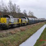18 November 2015: Budel / 7780,7771 met lege Zinkertstrein 49671 uit Budel ri Antwerpen Groenland (B).