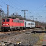 12 Maart 2015: Duisburg-Hochfeld / 140 837 DB Met een begleidings rijtuig en een lege militaire trein richting Duisburg-Hochfeld ost.