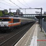 6 Augustus 2016: Helmond Brandevoort / 1837 (9903) van locon met sonderzug GayExpress naar Amsterdam