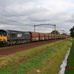 25 Oktober 2015: Mierlo / DE 684 Rheincargo met een lege kolen trein richting de Maasvlakte.