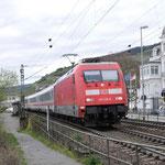 13 April 2016: Rudesheim / 101 138 Met IC 2011 naar Tübingen Hbf  (omgeleid via de rechte rijn strecke)