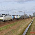 23 Februari 2014: Mierlo / Locon 186 150 met Bologna shuttle richting Kijfhoek.