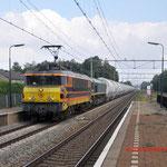 11 September 2014: Susteren / RRF 4401,PB06 met de lege dolimetrein (49667) richting Sittard.