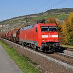 11 Oktober 2015: Thungersheim / 152 019 DB Met een sleep Taoos-z en achterop zorgt de 152 089 voor tractie.