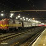 10 Januari 2014: Venlo / 1251 EETC met een wintersporttrein (13411) naar Oostenrijk