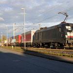 13 April 2016: Rudesheim / ES 64 U2 - 035 TXL Met een hupac trein richting koblenz