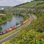 17 Juli 2014 : Himmelstadt / X4 E-853 BoxXpress met containertrein richting Wurzburg.