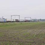 29 Mei 2016: Hulten / 186 425 RTB Met een PCC-shuttle richting Kijfhoek.